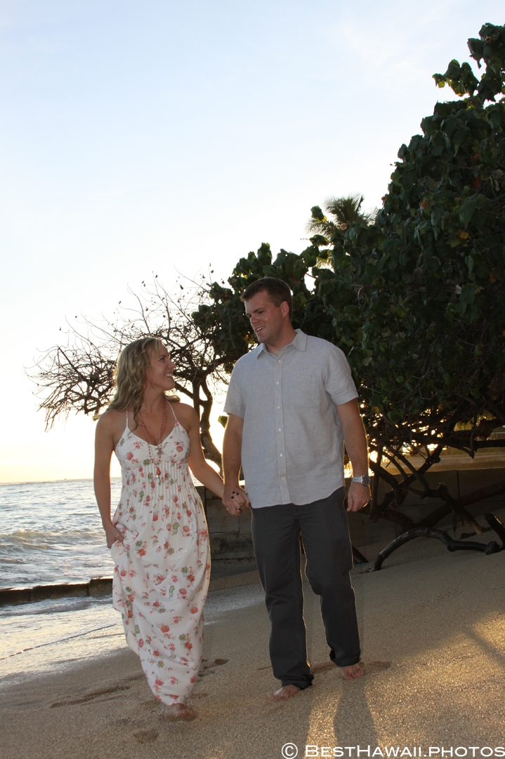 Hawaii Engagement photos by BestHawaii.photos Waikiki Honolulu 2015_08292015_6185