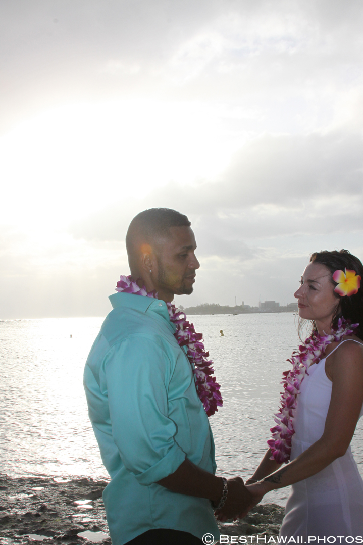 Small Hawaii Wedding BestHawaii.photos Magic Island Honolulu 2015_.JPG08072015_5776