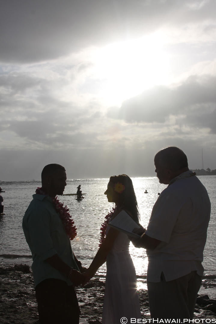 Small Hawaii Wedding BestHawaii.photos Magic Island Honolulu 2015_.JPG08072015_5779