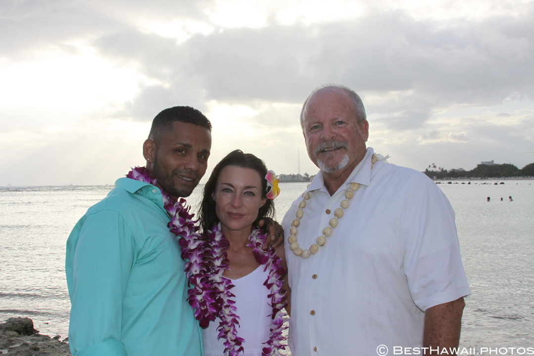 Small Hawaii Wedding BestHawaii.photos Magic Island Honolulu 2015_.JPG08072015_5806
