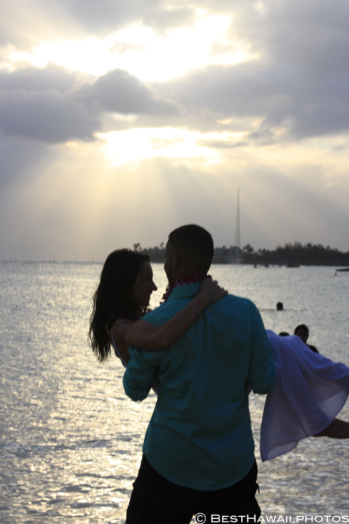 Small Hawaii Wedding BestHawaii.photos Magic Island Honolulu 2015_.JPG08072015_5911