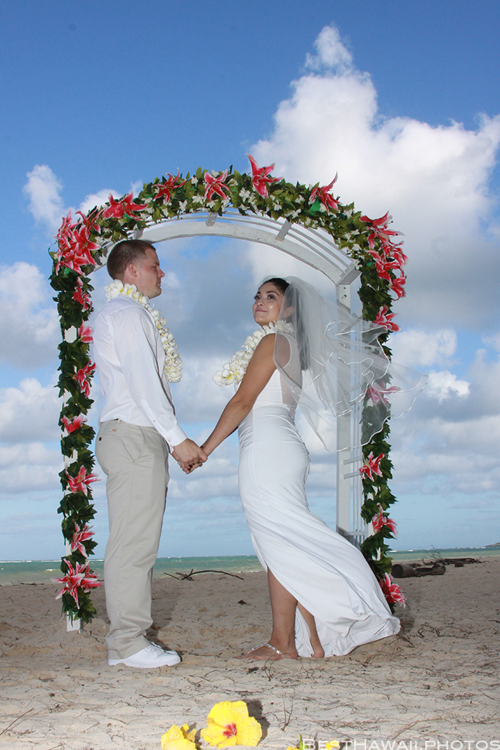 Waimanalo Beach Wedding photos by Pasha www.BestHawaii.photos_11282015_9835