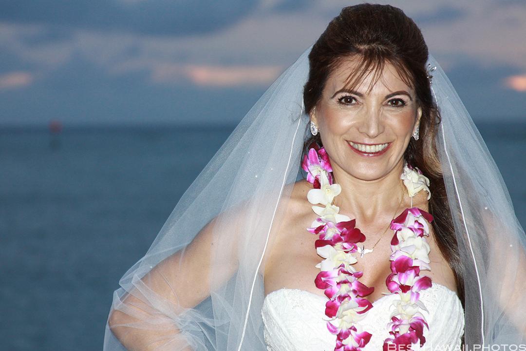 Sunset Wedding Photos in Waikiki by Pasha www.BestHawaii.photos 121820158707