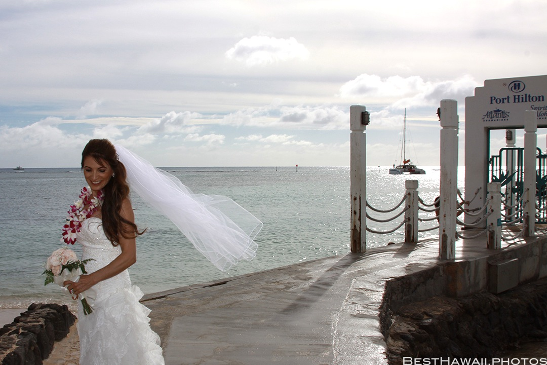 Wedding Photos at Hilton Hawaiian Village by Pasha www.BestHawaii.photos 121820158624