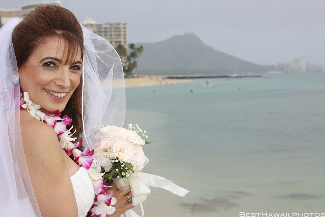 Wedding Photos at Hilton Hawaiian Village by Pasha www.BestHawaii.photos 121820158625