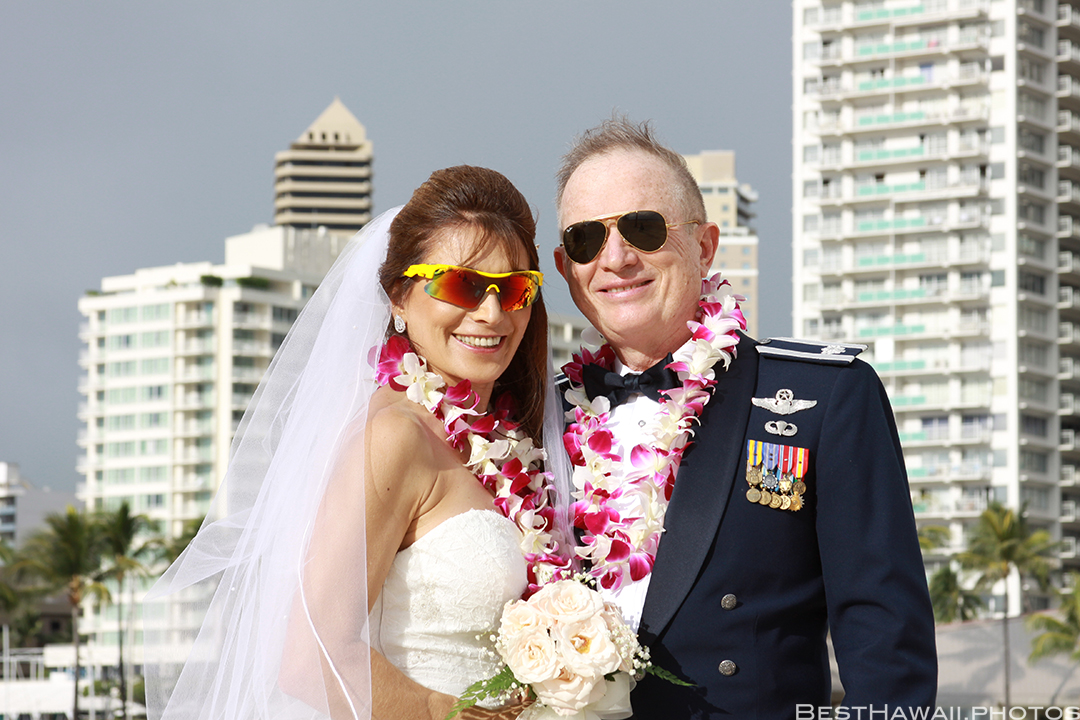 Wedding Photos at Hilton Hawaiian Village by Pasha www.BestHawaii.photos 121820158630