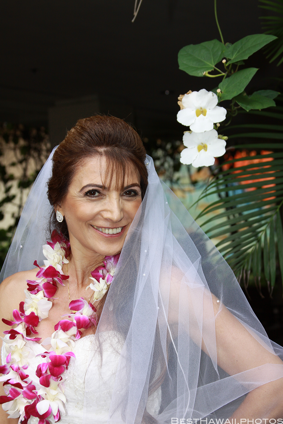 Wedding Photos at Hilton Hawaiian Village by Pasha www.BestHawaii.photos 121820158648