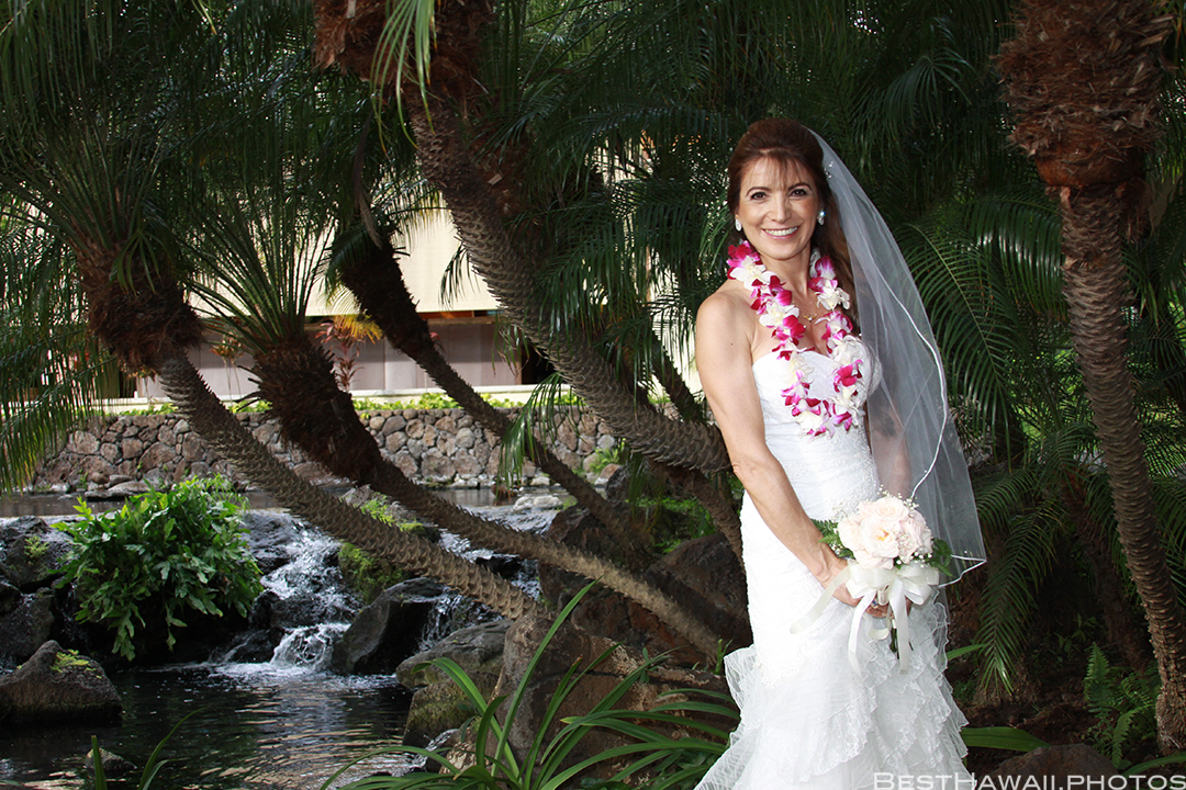 Wedding Photos at Hilton Hawaiian Village by Pasha www.BestHawaii.photos 121820158656