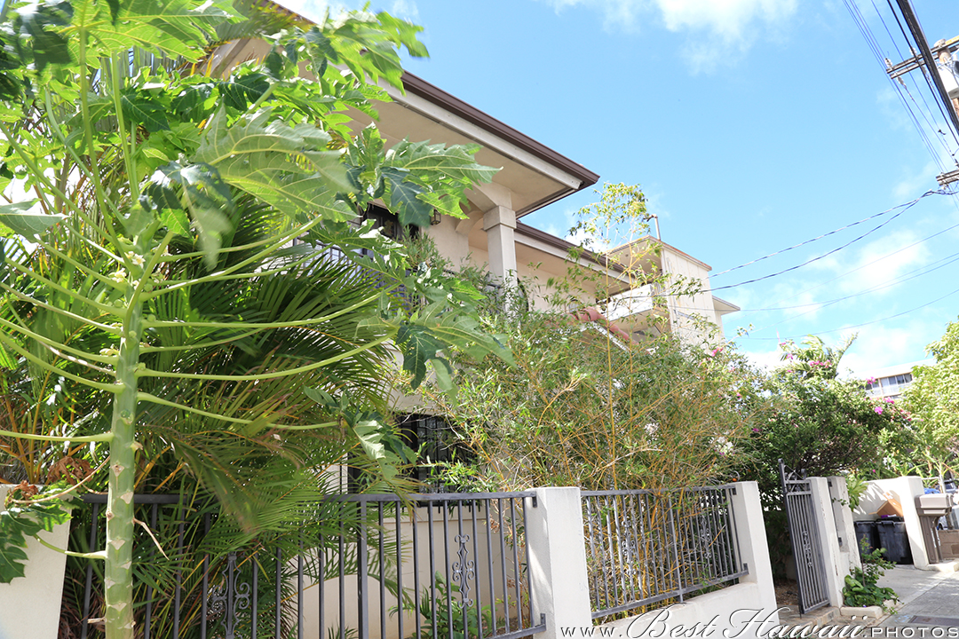 Category: Honolulu, Oahu, Real Estate Tags: honolulu, house, oahu,  photographer, photography, photos, real estate