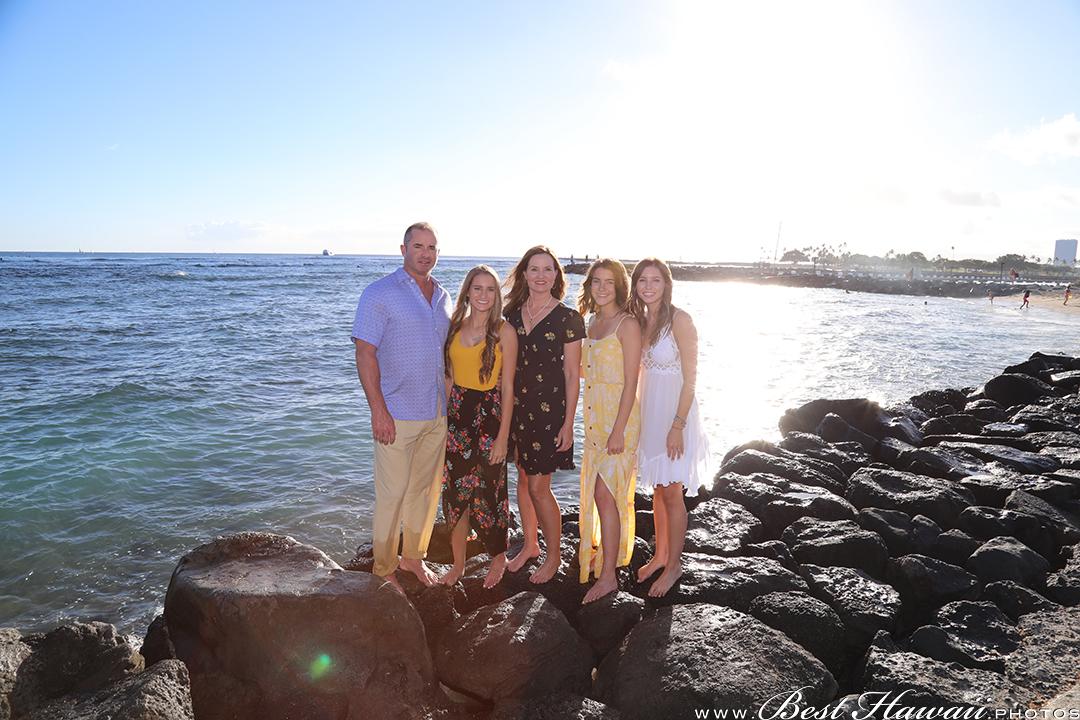 Couple's Photography at Hilton Hawaiian Village Lagoon in Honolulu, Hawaii