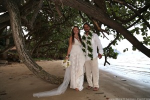 Kaneohe Beach Wedding Oahu Hawaii photos by Pasha www.BestHawaii.photos 123120160010