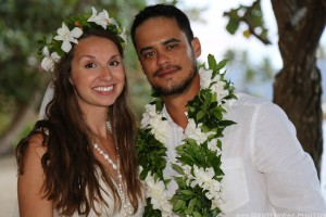 Kaneohe Beach Wedding Oahu Hawaii photos by Pasha www.BestHawaii.photos 123120160012
