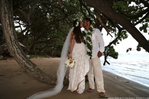 Kaneohe Beach Wedding Oahu Hawaii photos by Pasha www.BestHawaii.photos 123120160014