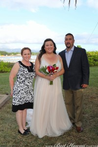 Sunset Wedding Foster's Point Hickam photos by Pasha www.BestHawaii.photos 20181229007