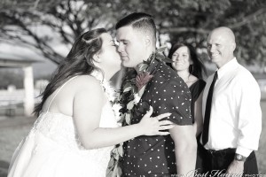 Sunset Wedding Foster's Point Hickam photos by Pasha www.BestHawaii.photos 20181229031