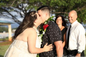 Sunset Wedding Foster's Point Hickam photos by Pasha www.BestHawaii.photos 20181229032