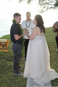 Sunset Wedding Foster's Point Hickam photos by Pasha www.BestHawaii.photos 20181229048